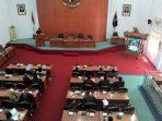Penyampaian PU Fraksi Atas Nota Bupati Pacitan Terhadap 4 Raperda Th. 2015.