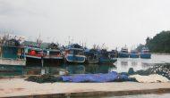 Permalink ke Dilanda Cuaca Buruk, Nelayan Pacitan Libur Melaut